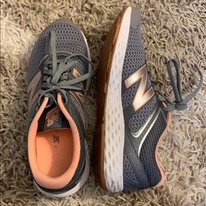 NEW BALANCE sneakers - pink and gray. Sz 7